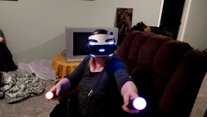 Mom Tries Playstation VR for the First Time – CHRIS KAIZEN