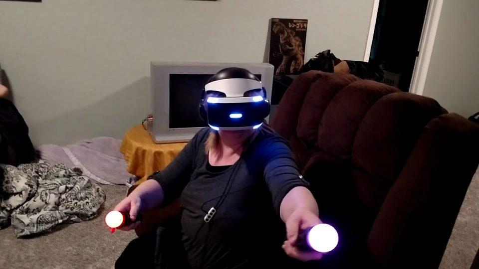 My Mom Tries Playstation VR for the First Time